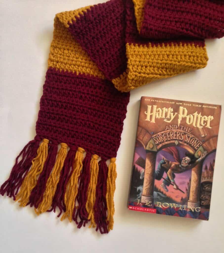 Harry Potter Infinity Scarf Crochet Pattern - Maria's Blue