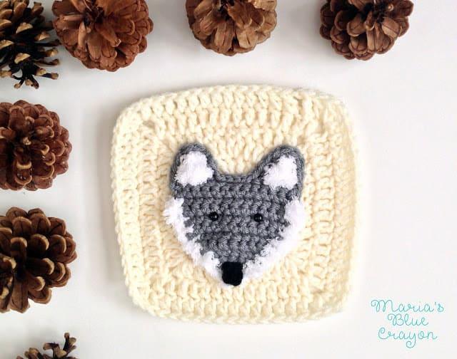 crochet wolf applique