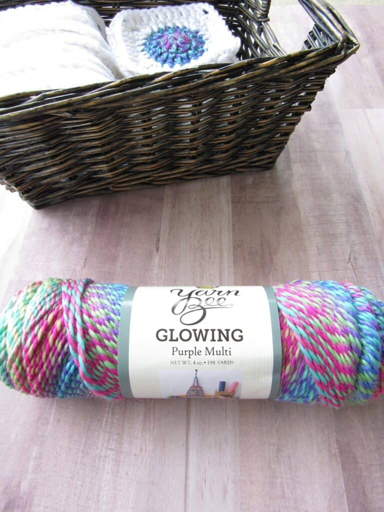 crochet granny square using variegated yarn
