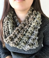 Quick and easy chunky cowl free crochet pattern