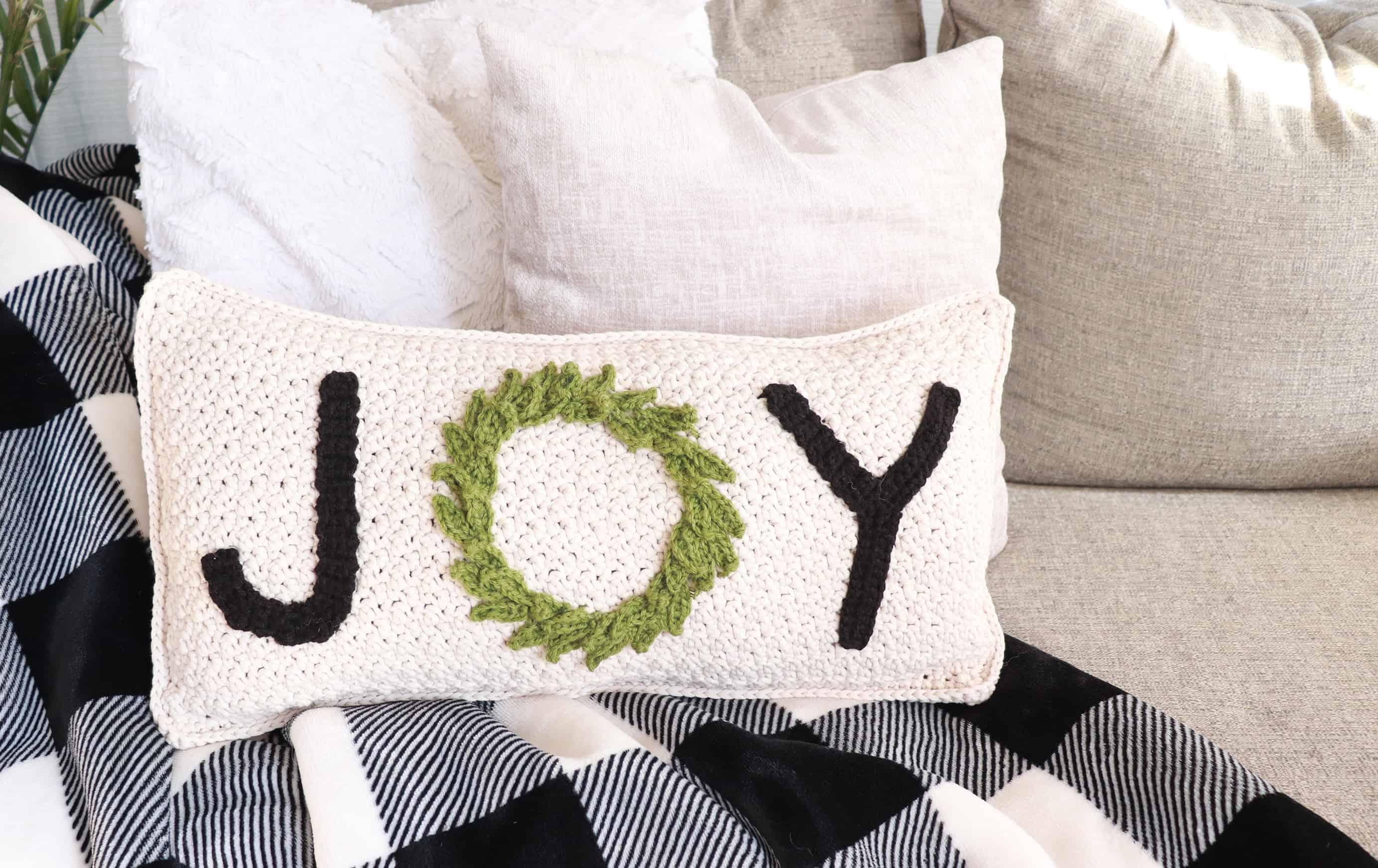 Free Crochet Christmas Pillow Pattern Maria S Blue Crayon