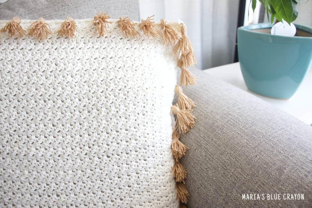 crochet pillow with tassels pattern